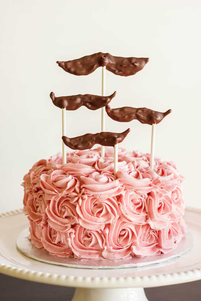 Cake Decorating With Swiss Buttercream : Chocolate Cake with Raspberry Swiss Meringue Buttercream ...