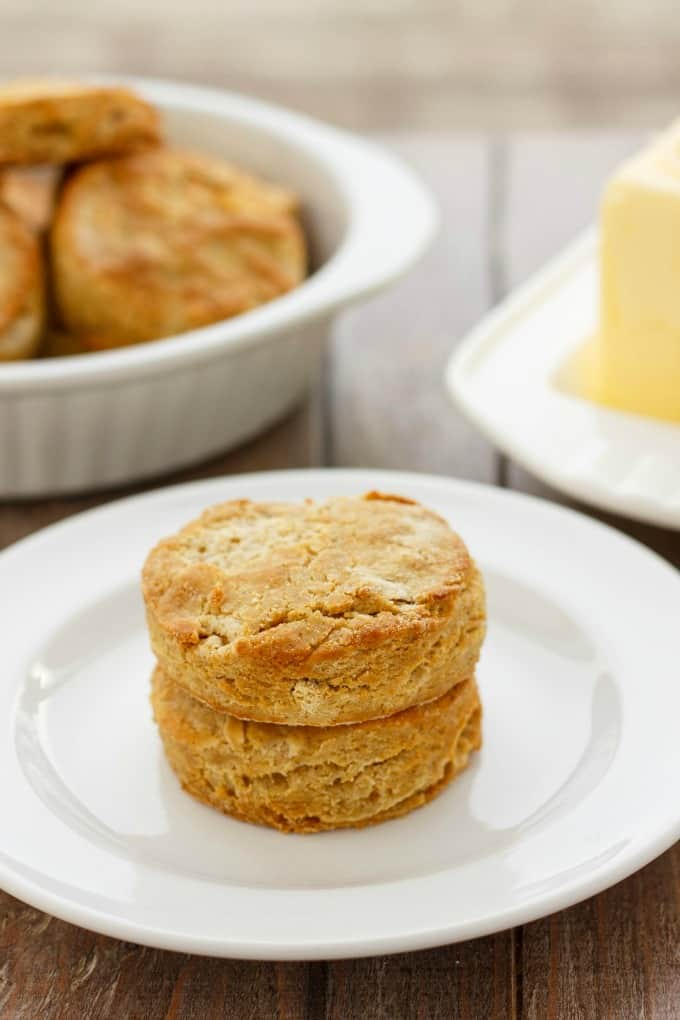 Gluten-Free Biscuits made with Robin Hood Nutri Flour Blend #glutenfree #biscuits
