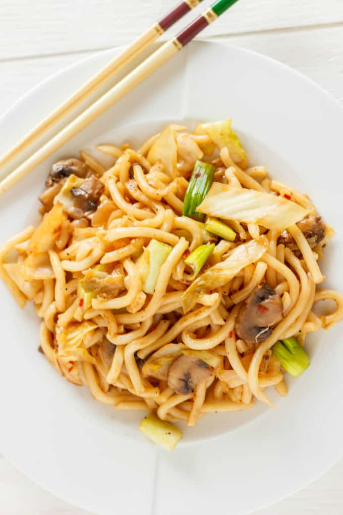 Fried Udon Noodles with Mushrooms and Cabbage 2