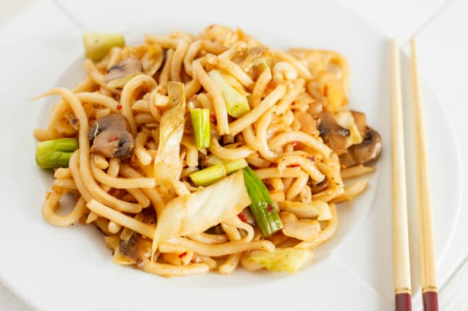 Fried Udon Noodles with Mushrooms and Cabbage 3