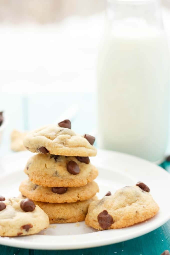 Soft and Chewy Chocolate Chip Cookies #dessert