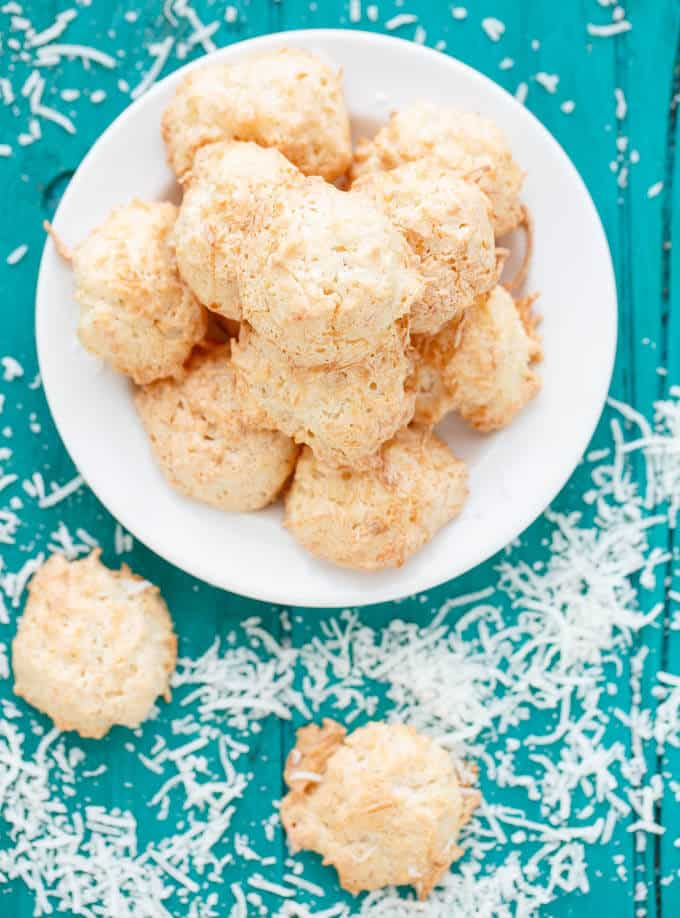 Semi-Toasted Coconut Macaroons #coconut
