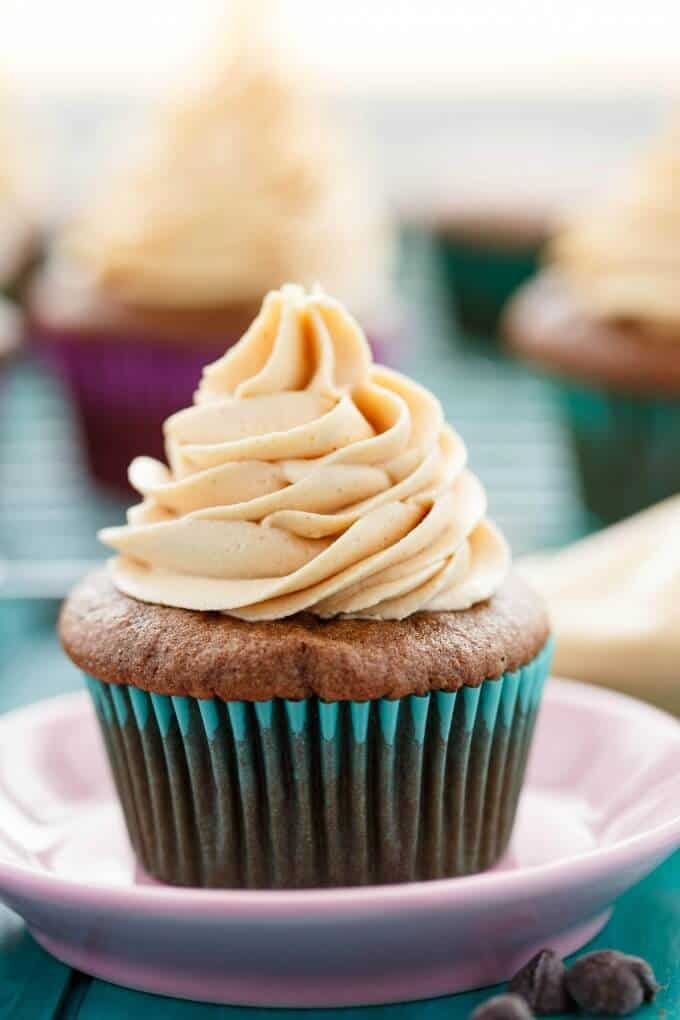 Gluten-Free Chocolate Cupcakes with Peanut Butter Frosting #cupcakes