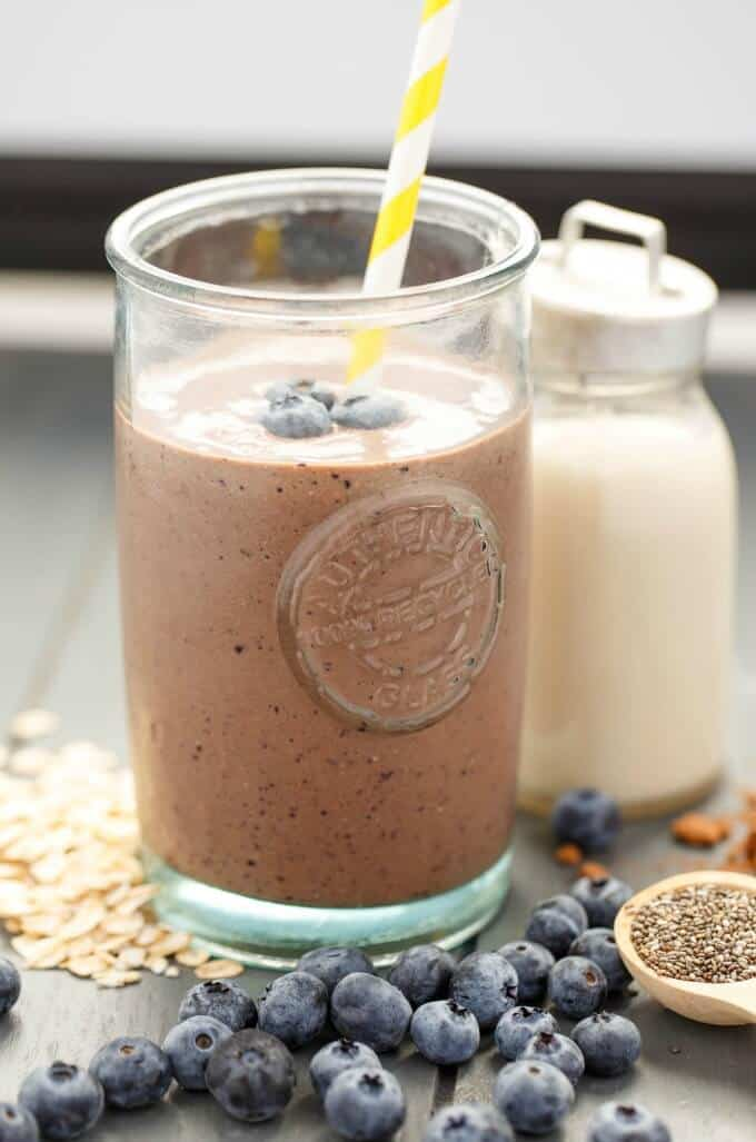 Almond Milk Banana-Blueberry Breakfast Smoothie #smoothie