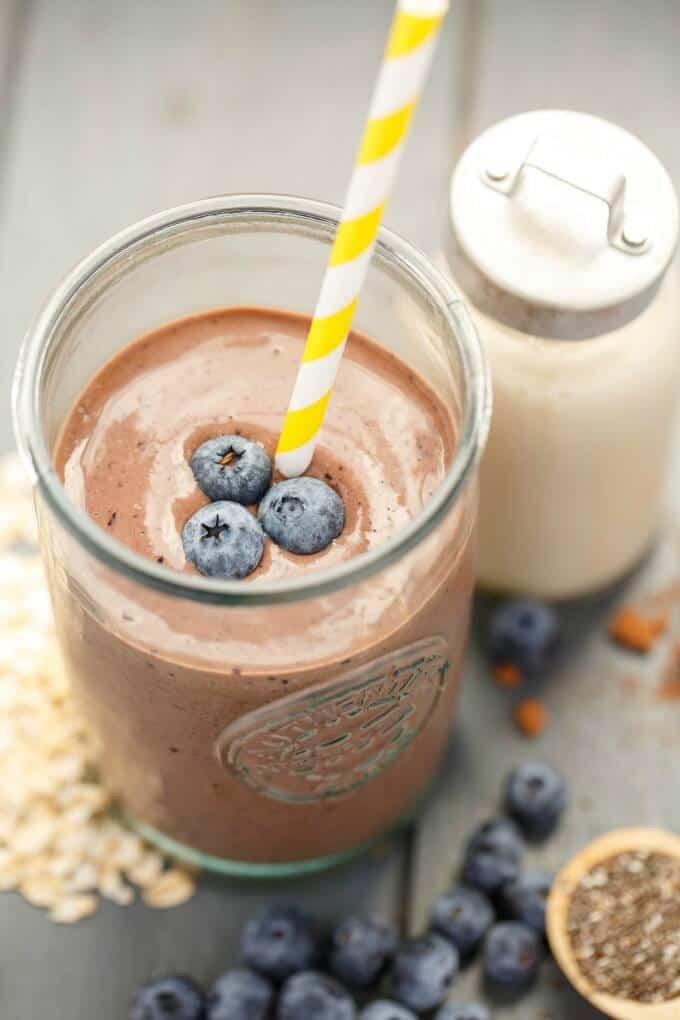 Almond Milk Banana-Blueberry Breakfast Smoothie #vegan