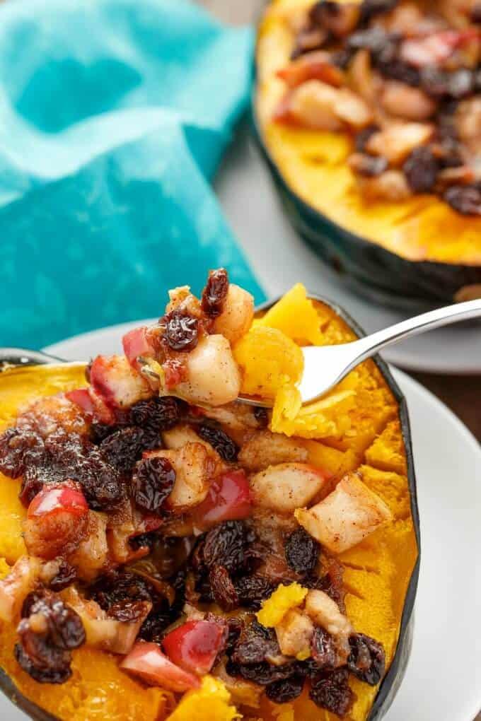 acorn-squash-stuffed-with-apple-and-raisins-vegan