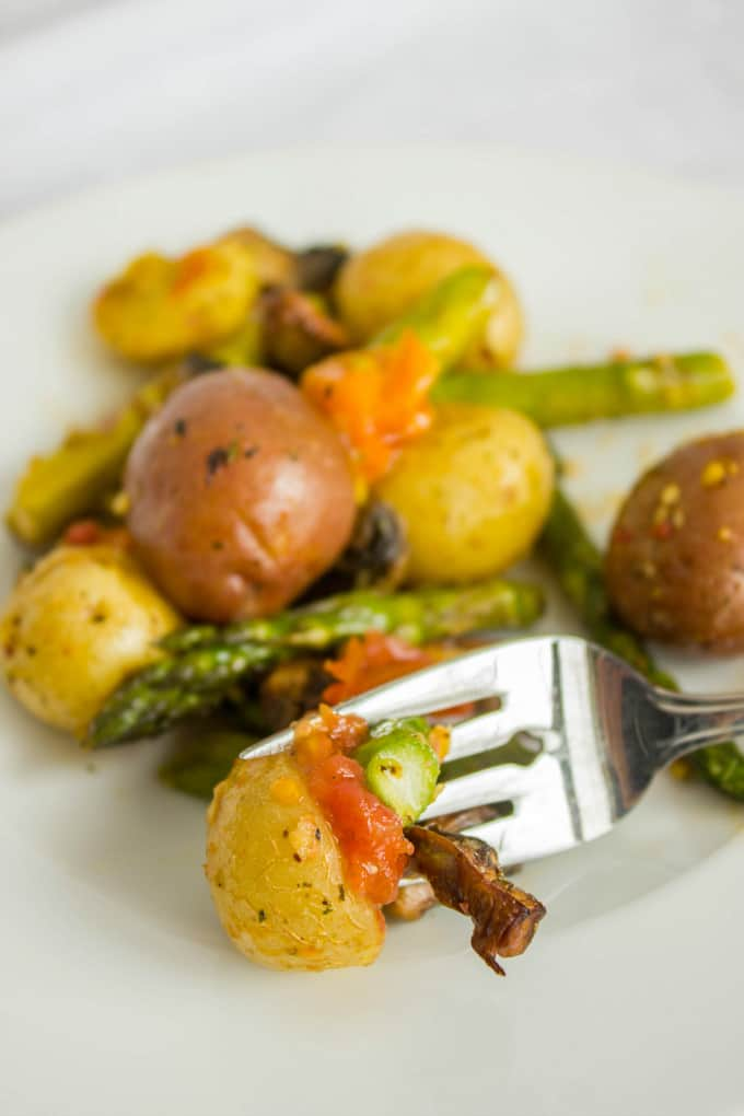 Easy Creamer Potatoes with Roasted Vegetables (Microwave Ready) 4