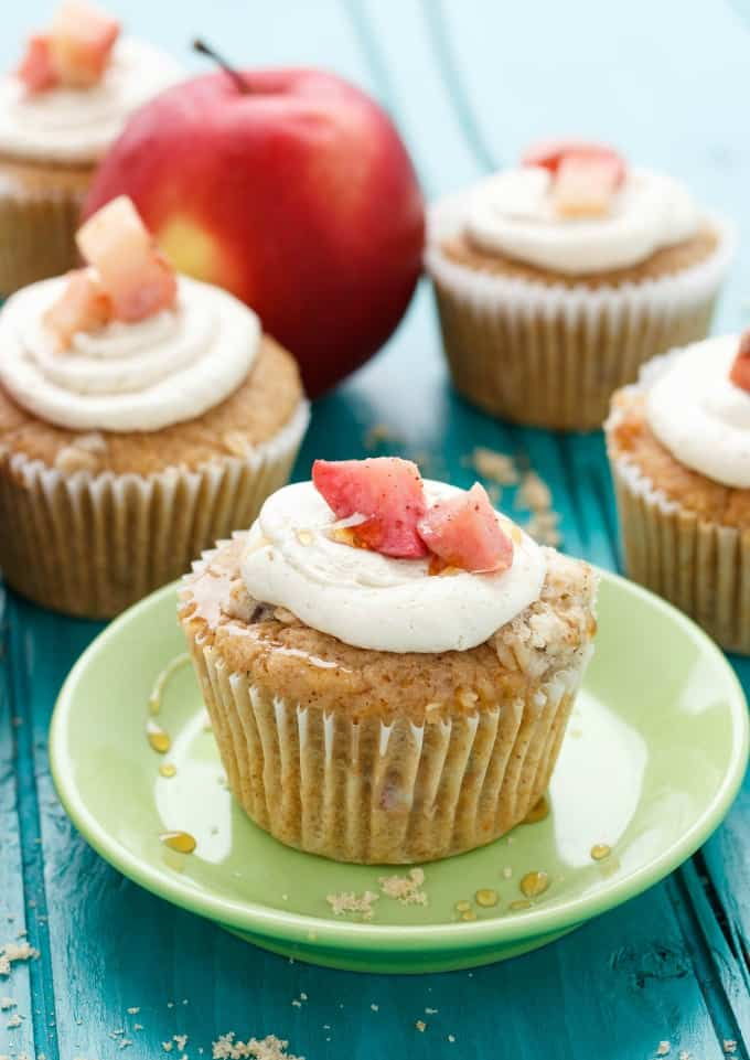 Apple Pie Cupcakes with a Crispy Topping #dessert