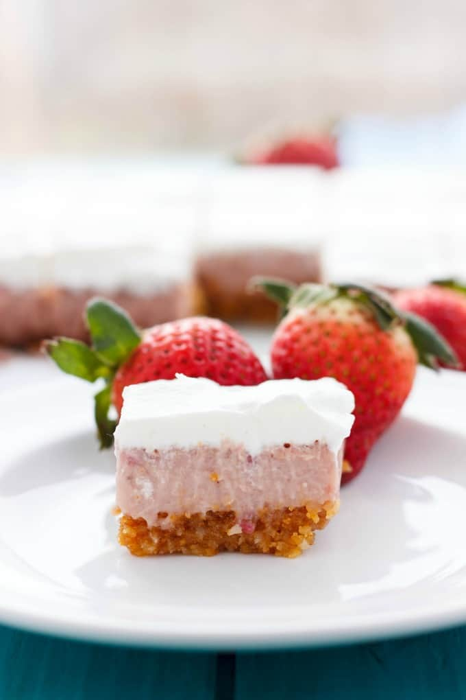 Easy Strawberry Squares #dessert