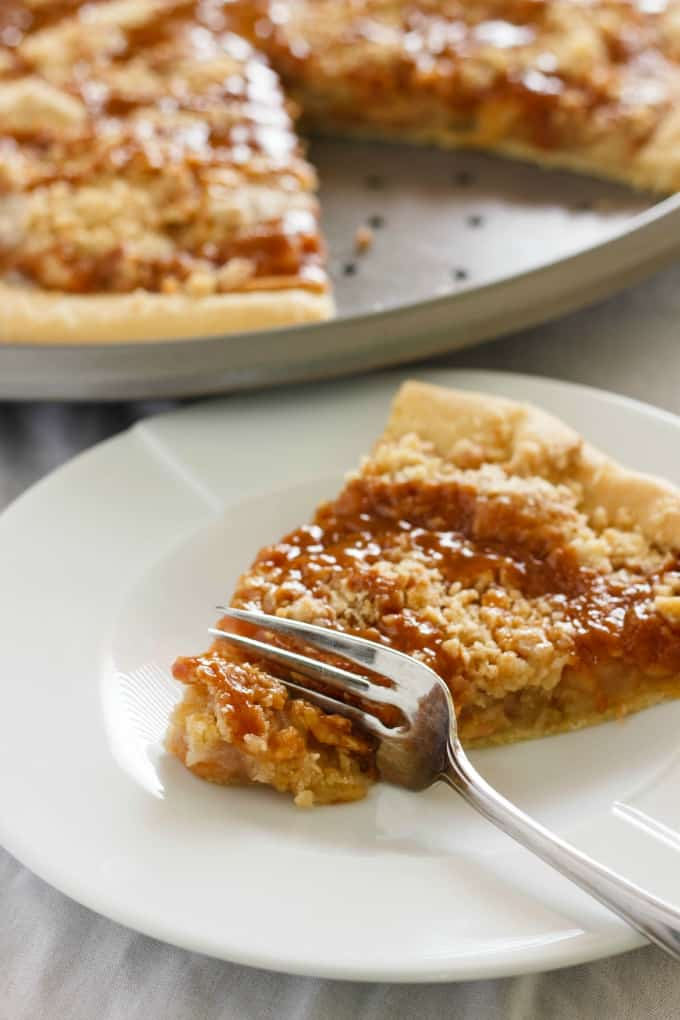 Apple Crisp Pizza 3