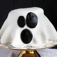 Easy Marshmallow Fondant Ghost Cake (Halloween!)