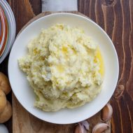 Herb and Garlic Cream Cheese Mashed Potatoes