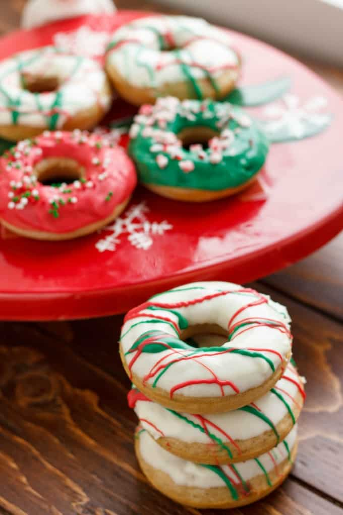 Christmas Doughnuts with Candy Melts Glaze #Bananas