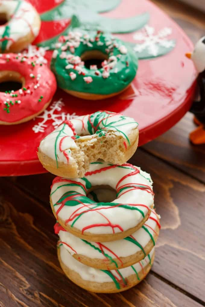 Christmas Doughnuts with Candy Melts Glaze #Christmas