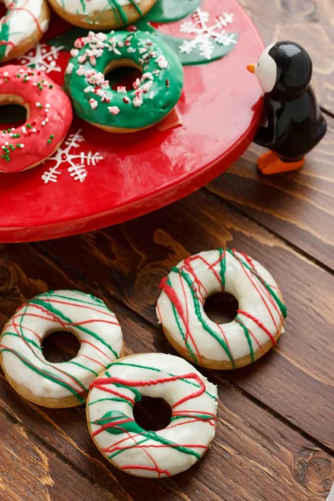 Christmas Doughnuts with Candy Melts Glaze #bakeddoughnuts