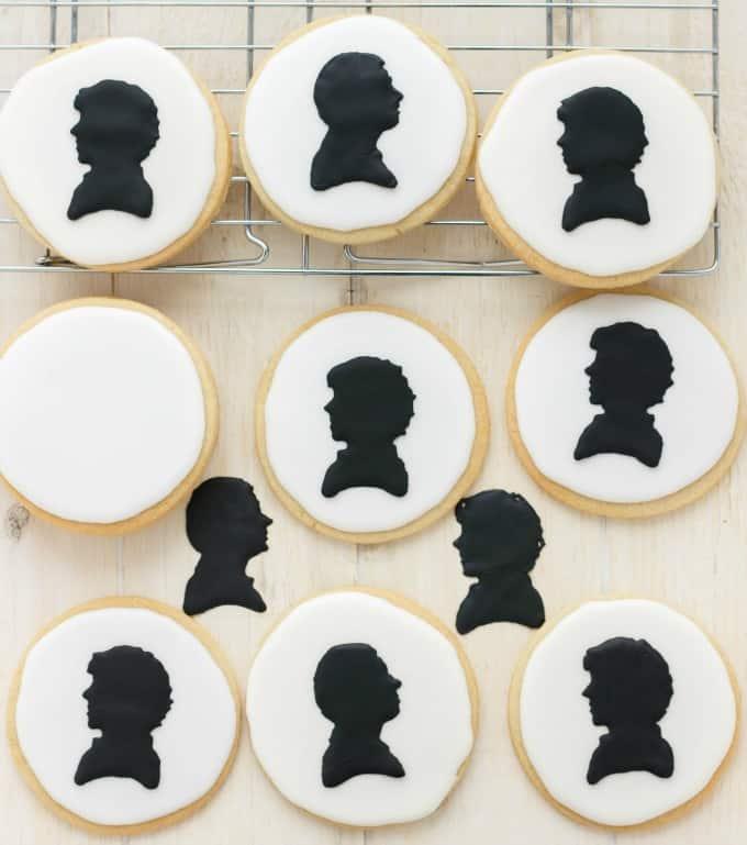 Royal Icing Sherlock Cookies (Cookie Geek #1) #sherlock