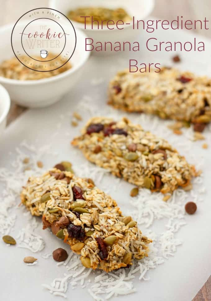 Three Ingredient Banana Granola Bars #healthy #threeingredients