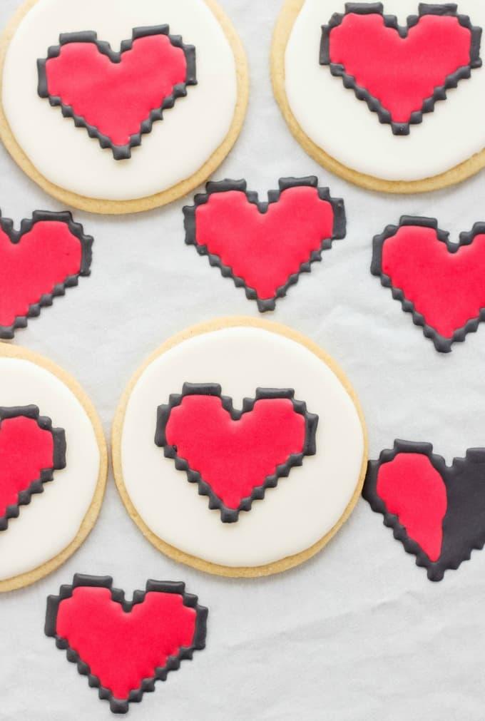 8 Bit Heart Cookies (No Special Cookie Cutter Necessary!) (Cookie Geek #2) #hearts