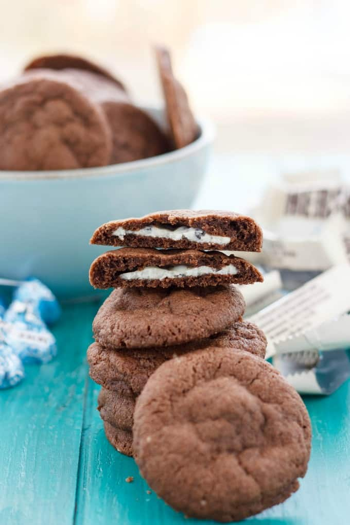 Cookies 'n' Cream Stuffed Cookies #cookies
