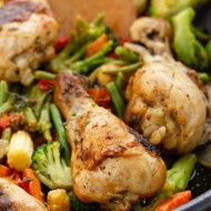 One Pan Chicken Drumsticks with Vegetables
