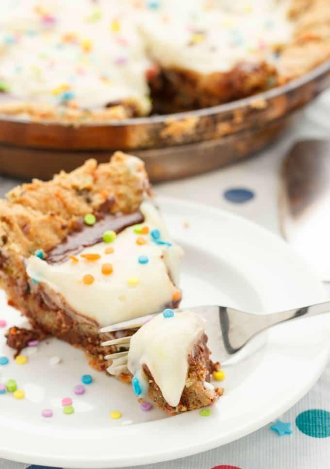 Birthday Cake Cookie and Pudding Pie #dessert