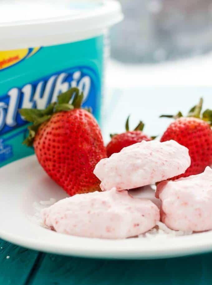 Three Ingredient Strawberry Frozen Bites #dessert