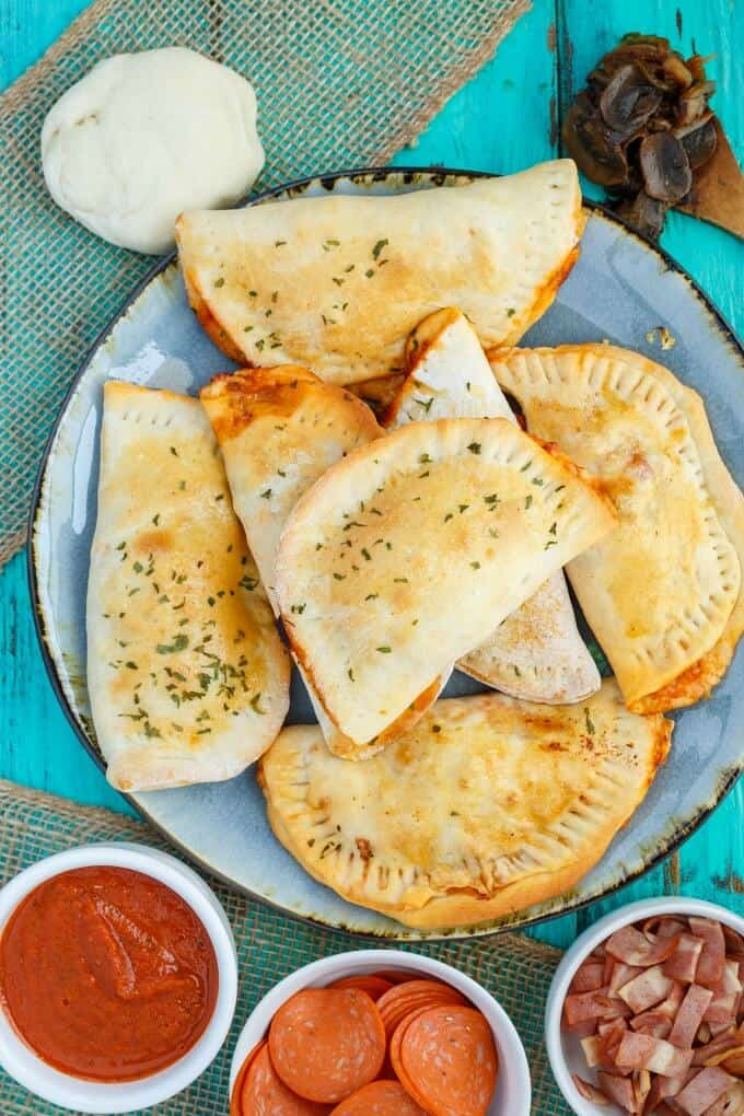 Homemade Pizza Pockets (Small & Freezable)